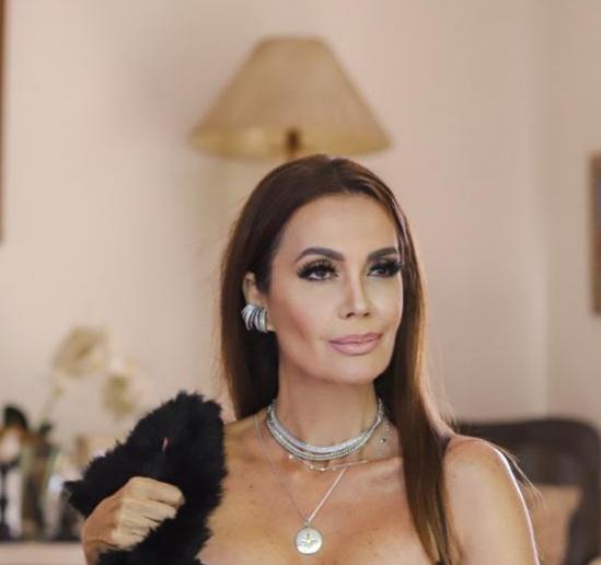 Claudia Métne é inspiração de Luxury Collection de semijoias
