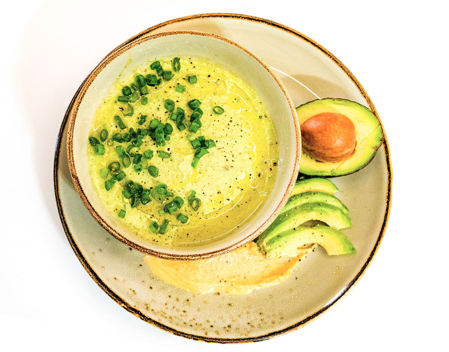 Abacate tem muitos benefícios e pode ser usado em várias receitas